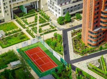 Спортивная площадка около 12 корпуса